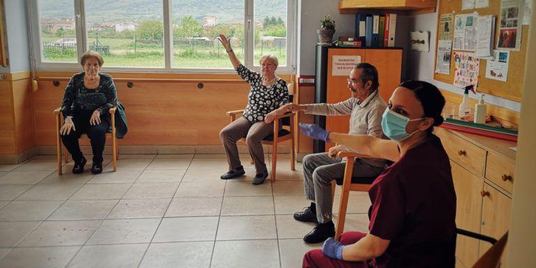 La Clínica Josefina Arregui planta cara a la crisis sanitaria con un innovador programa de actividades